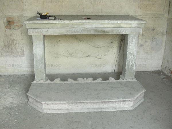 Altare all'interno del tabernacolo della Madonna della Tosse
