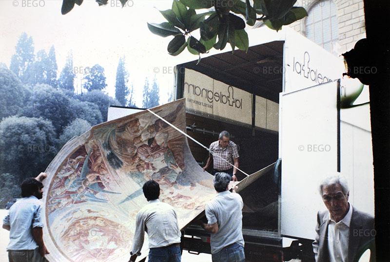 Il trasferimento degli affreschi del tabernacolo della Madonna della Tosse 2 - dai magazzini della Soprintendenza di Firenze a Castelfiorentino (anni Ottanta)